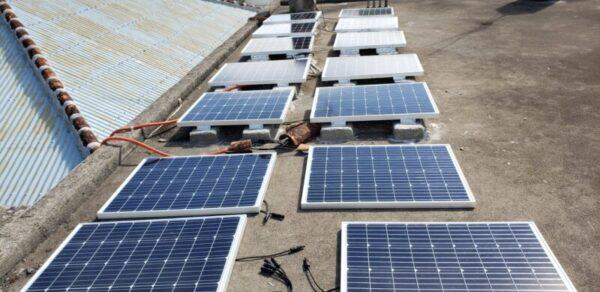 太陽光発電、ソーラーパネル14枚設置途中 自作