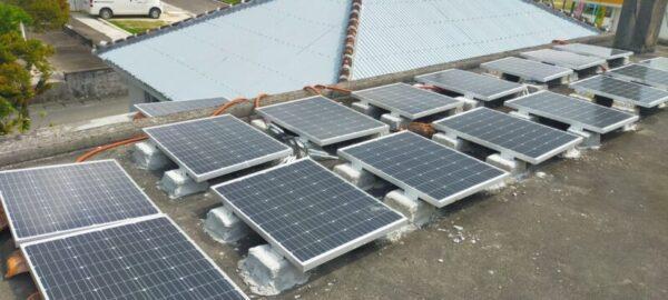 太陽光発電、ソーラーパネル21枚設置途中 自作