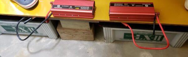 インバーターと鉛蓄電池を接続