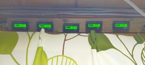 朝までエアコンを使えた電圧計