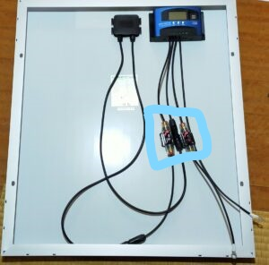 チャージコントローラーとソーラーパネル接続