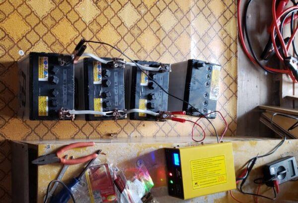 軽自動車用バッテリー 4台並列接続