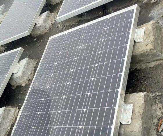 ソーラーパネル架台をコンクリートで自作しました。