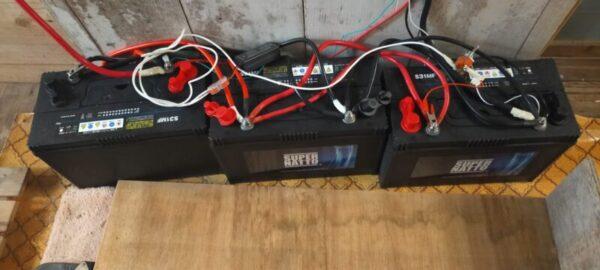 ディープサイクルバッテリー(セミシールド)を並列接続!蓄電池を自作してみた