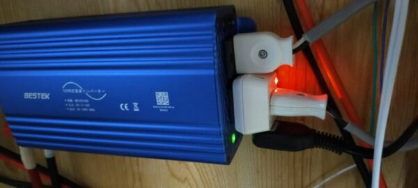 BESTEK正弦波インバーターとバッテリー取付