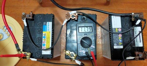 蓄電池と正弦波インバーター接続後の写真