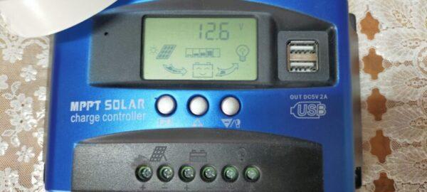 ソーラー発電つき蓄電池完成(MPPTチャージコントローラーに発電状況が追加された)