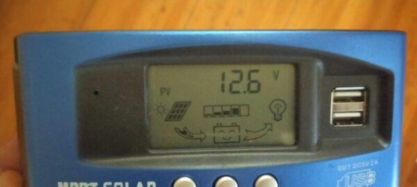 ソーラー発電つき蓄電池1時間チャージ完了!MPPTチャージコントローラー12.6V表示