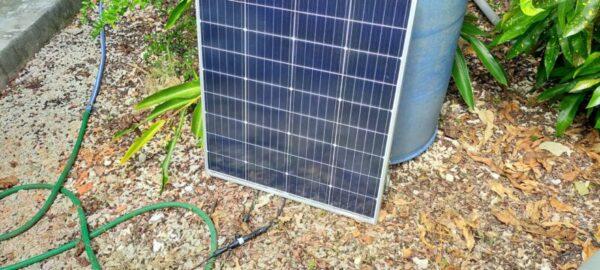 日陰になりソーラー発電つき蓄電池の実験を終了する